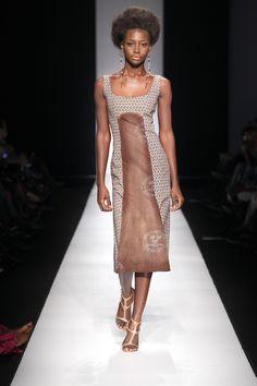 Simple shweshwe South African Fashion, African Inspired Fashion, Africa Fashion, African Attire, African Dress, Fashion Show, Fashion Design, Women's Fashion, Fashion Styles