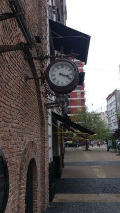 Una calle de Balcarce, población de la provincia de Buenos Aires.