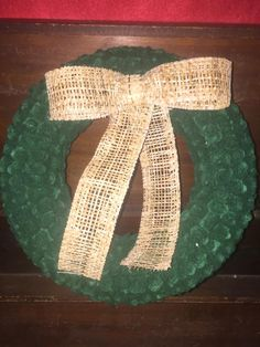 Felt Flower Wreaths, Felt Flowers, Handmade Christmas, Christmas Wreaths, Crochet, Facebook, Felted Flowers, Holiday Burlap Wreath, Knit Crochet