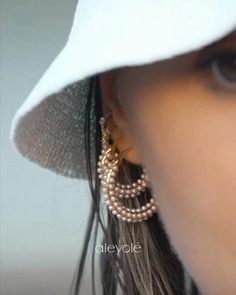 Inspired by treasures of the sea Ear Jewelry, Photo Jewelry, Jewelry Bracelets, Women Accessories, Jewelry Accessories, Jewelry Photography, Winter Fashion Outfits, Jewelry Packaging, Ear Piercings