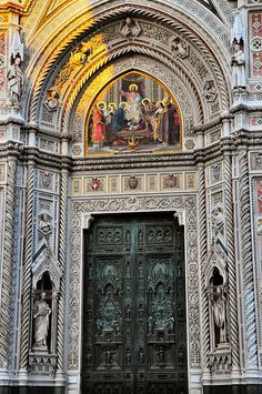 Traveling - Monuments - Architecture - Florence Duomo - Main door at Santa Maria del Fiore Cathedral Monuments, Toscana Italia, Places In Italy, Cathedral Church, Place Of Worship, Florence Italy, Santa Maria, Art And Architecture, Verona