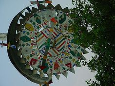 Vollis Simpson makes insanely awesome recycled whirligigs and windmills -I am in awe!