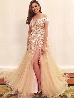 2018 A-line Prom Dresses Scoop Tulle Applique Modest Long Prom Dress Evening Dresses AMY253