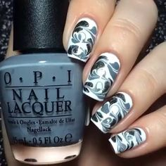 This is so easy to do. If you guys want water marble nails but not the mess try this. @nail_muse