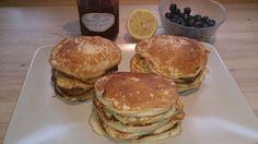 D ejlig opskrift på pandekager fra Gastros nyhedsbrev- jeg har suppeleret med en vaniljestang og lidt revet citronskal i dejen og min ...