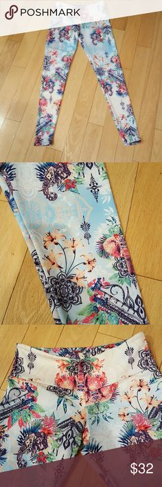 Onzie elephant print leggings Like new and very cool workout leggings for yoga, barre, pilates and more. Silky smooth. Size xs. Hit at my ankles and i am 5 foot 3. Pet free and smoke free home. Flawless. Onzie Pants Leggings