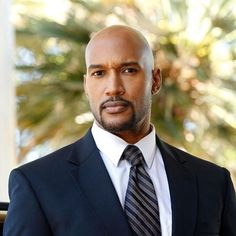 Wishing a very happy birthday to Henry Simmons!