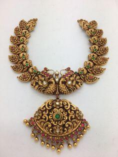 Jewelry Design Earrings, Gold Jewellery Design, Necklace Designs, Beaded Jewelry, Diamond Jewelry, Gold Temple Jewellery, Indian Wedding Jewelry, Gold Jewelry, Jewelery