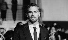 """Why Theo James Doesn't Want To Be Defined By """"Divergent""""  Hi is awesome! """"So I can carry on being an actor rather than a celebrity."""" Theo James"""