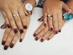 Manicura semipermanente ORLY. Ven a pasar un rato divertido con tus amigas. #manicura #manicuraorly #orlyfx #orly #manicuravegana #nails #shine #shinenails #nailsalonbarcelona #lifestyle #manicure #manicurasemipermanente #barcelona #beauty #vegano #manicuravegana #revivenailbeauty #red #rednails @beaat93 @andreacampodarve Daniel Wellington, Salons, Barcelona, Nails, Beauty, Vegan, Girlfriends, Hilarious, Finger Nails