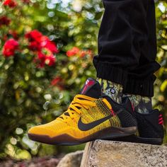 buy online a6c36 77a76 Nike Kobe 11 Elite Low