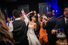 Super post hoje no Blog! Vem ver que lindo o sim sim de Elisa e Augusto! Muitas imagens inspiradoras neste capítulo da série Casamentos Reais, imperdível:
