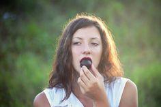 Achtung! Hier ist Vorsicht geboten: Diese 7 Warnsignale sendet dein Körper, wenn du zuviel Zucker isst.