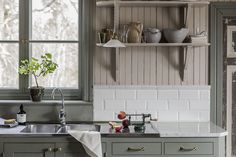 Funny rated cozy country home decor Swedish Kitchen, Farmhouse Style Kitchen, Kitchen Dining, Kitchen Decor, Kitchen Cabinets, Cottage Kitchens, Home Kitchens, Room Interior, Interior Design Living Room