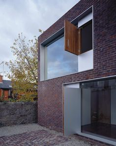 Image 2 of 22 from gallery of Alma Lane House / Boyd Cody Architects.