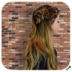 Babin' #braid. Simple but oh so pretty.  #beauty #hair #hairbymel #hairoftheday #dutchbraid #braidaccent #longhair #balayage #hairstyles #loosecurls #AKL #NZ #hairdesign