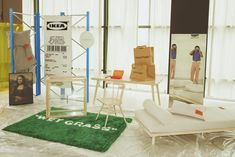 Swedish furniture giant IKEA has joined forces with Louis Vuitton's menswear artistic director, and founder of OFF-WHITE, Virgil Abloh to create a stylish new range MARKERAD, designed with young people furnishing their first home in mind. Ikea Furniture, White Furniture, Furniture Design, Ikea France, Off White Designer, Hotel Boutique, It Cosmetics, Grass Rug, Ikea Decor