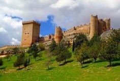 CASTLES OF SPAIN - Castillo de Peñaranda de Duero (Burgos). El castillo de Peñaranda de Duero tuvo su origen como una pequeña fortificación defensiva en los primeros instantes de la repoblación después de la conquista de la zona a los musulmanes por los cristianos. Dataría, por tanto, del siglo X, en tiempos del conde Fernán González.