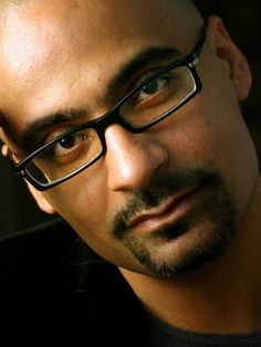 """Podcast: Junot Díaz discussing """"This is How you Lose Her"""" via Politics & Prose"""