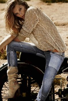 Jeans, great Boots and sweater.. Amazing!