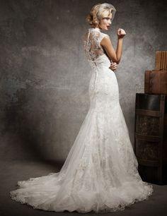 Brautkleid bestickt mit Spitze