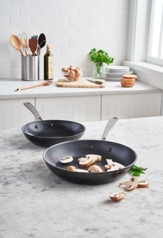 Have you discovered the KitchenAid kitchenware yet? Pots and pans of the best quality ready to help you cook some delicious dishes. Discover more on our website.