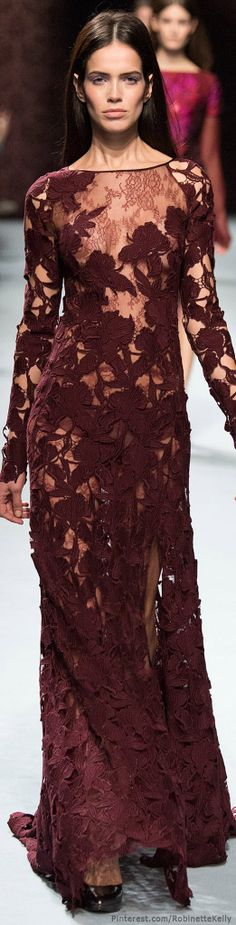 Nina Ricci Fall 2014 Ready-to-Wear Fashion Show Fashion Moda, Fashion Week, Look Fashion, Runway Fashion, High Fashion, Fashion Show, Fashion Design, Paris Fashion, Shades Of Burgundy