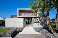 Coolum Bays Beach House by Aboda Design Group | HomeDSGN