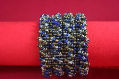 Bracelete Miçangas & Madeira Azul Mescla  www.munayartes.com