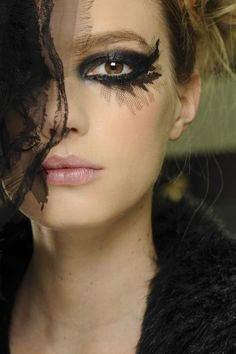 //Make-up at Chanel couture spring/summer 2013