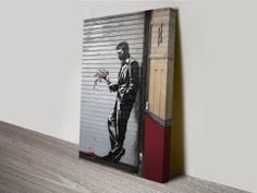Banksy graffiti artwork depicts a man wearing a tux and holding a wilting bouquet of flowers. Waiting in vain. Banksy Canvas Prints, Banksy Wall Art, Banksy Artwork, Canvas Artwork, Banksy Artist, Artist Wall, Canvas Prints Australia, Information Art, Australian Art