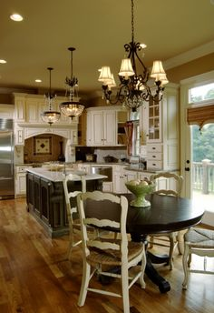 Traditional Island Style Taupe kitchen, cream cabinets
