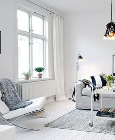 scandinavian-style-2-living-area-with-barcelona-chair