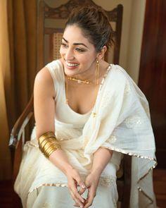 Pakistani Actress, Bollywood Actress, Saree Dress, Sari, Fake Images, Star Actress, White Saree, Jacqueline Fernandez, Nude Lipstick