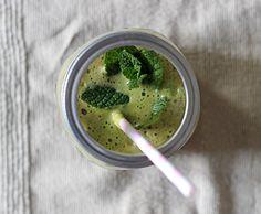 recette-jus-pomme-concombre ♡ Ingrédients  2 petites pommes acidulées (type Fuji) 1 grand concombre 1 petit citron vert 1 cm de gingembre