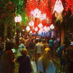 festa-major-de-gracia-bcn Festivals, Travel Inspiration, Barcelona, Painting, Art, Thanks, Craft Art, Painting Art, Kunst