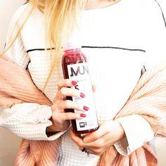 Productos nuevos... me encantan! Hace poco les conté en el blog sobre cafés que están buenos y porque. Este jugo lo conocimos mientras hacíamos fotos y desayunamos en @oldayscoffee ☕️ @munmarket 🥕🥝 los invito a ver en el blog este especial sobre cómo hacer marcas lindas y que funcionen en la gastronomía. ↗️ Link en Bio!!! ↗️ #coffee #coffeexperience #coffeetime #gastronomy #foodies #foodiest