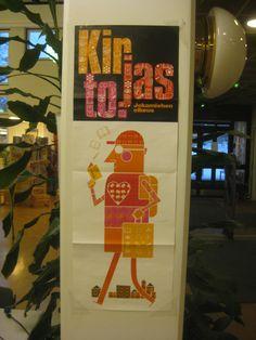Kirjastossa oli yllättävän vähän tapahtumien promoamista ja julisteita.