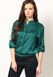 glamour to your appearance by wearing this green coloured casual shirt for women from the house of Chemistry. Made from polyester, this regular-fit shirt will keep you comfortable all day long. It features a mandarin collar to enhance your look.