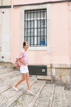 Portugal was in my Top 10 'must see' destinations and I was so happy to tick it off this year! This is my full packing guide on what to wear in Portugal! Casual Summer Outfits, Holiday Outfits, Stylish Outfits, Fall Outfits, Fashion Outfits, Minimalist Fashion Summer, Vacation Outfits, Europe Outfits, Vacation Wear