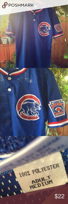 Chicago Cubs adult medium women's baseball jersey Lightweight Chicago Cubs jersey fits most women small and medium Vintage Tops