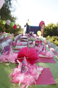 Kids table for Princess Party:  www.tucsoncreativecatering.com