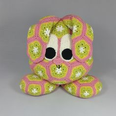 Crochet pattern by Jo's Crocheteria. African flower animals and other free crohet patterns.