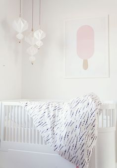 Simple mobile for the nursery
