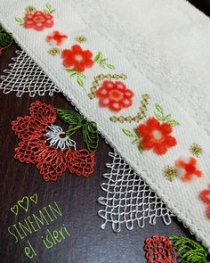 This Pin was discovered by Muy Needle Lace, Needle And Thread, Needlepoint, Needlework, Diy And Crafts, Crochet Patterns, Embroidery, Handmade, Lace