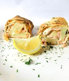 Salmon and potato strudel - FoodForFamily Vegetarian Dinners, Fish Dishes, Fabulous Foods, Veggie Recipes, Fresh Rolls, Tapas, Seafood, Veggies, Potatoes