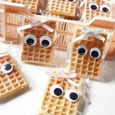 ▷ 1001 + Ideas for DIY Christmas Gifts and Festive Decoration Kids Party Treats, School Birthday Treats, Birthday Party Snacks, School Treats, Waffle Cake, Classroom Treats, Happy B Day, Kids Meals, Crafts For Kids