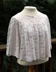 Vintage Lace bed jacket. Short robe or coverup. Pink shrug. Midriff Top. Size Medium Lingerie. 1960s or 1970s Lingerie.