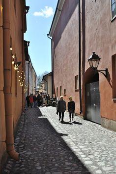 Luostarin välikatu, Turku - Turku Designia ja hyvä hamppari