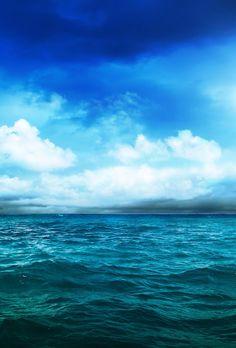 Beautiful blue ocean and sky. Iphone Wallpaper Ocean, Wallpaper Backgrounds, Phone Backgrounds, Phone Wallpapers, Forest Landscape, Ocean Life, Salt And Water, Ocean Waves, Scenery